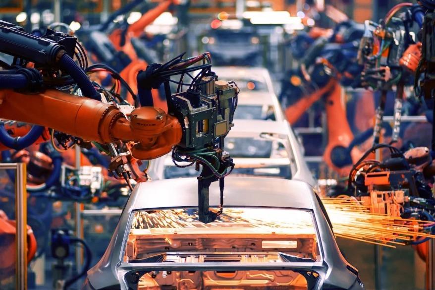 roboti industriali constructie auto